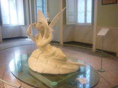 """Villa Carlotta, """"Amore e Psiche"""", Canova #villacarlotta #tremezzo #amoreepsiche #love"""