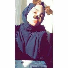 fake off girls Niqab Fashion, Modern Hijab Fashion, Profile Pictures Instagram, Instagram Pose, Arab Girls, Muslim Girls, Girl Pictures, Girl Photos, Cute Lesbian Couples