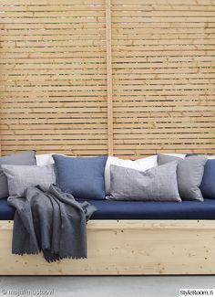 sohva,tekstiilit,terassi,terassin sisustus,puu