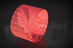 3D DENTELLE/LACE BRACELET by Miette  3d printed strong and flexible nylon  6,9x4,2x6,9cm