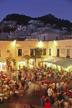 When in Capri: experience the nightlife at Anema e Core or Panta Rei and listen to bands