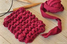 DIY sponge made of T-shirt yarn DIY Zero Waste sponge made of T-shirt yarn . DIY sponge made of T-shirt yarn DIY Zero Waste sponge made of T-shirt yarn – great for cleaning work surfaces! Upcycled Crafts, Diy And Crafts, Upcycled Clothing, Kids Crafts, Knitting Projects, Knitting Patterns, Crochet Patterns, Zero Waste, Tee Shirt Fila