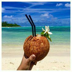 Enoy a fresh Nu and a beautiful view at Barfoot Bar, Pacific Resort Rarotonga, Cook Island
