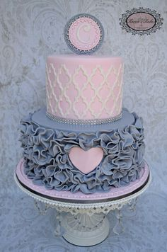 Pretty pink and grey cake by Karen's Kakes made with the Moroccan Lattice Silicone Onlay