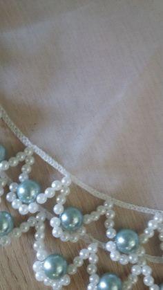 Cobre jarra pérolas | Atelie Jardim do Éden | Elo7 Hand Embroidery Stitches, Beaded Embroidery, Embroidery Designs, Bead Jewellery, Beaded Jewelry, Beaded Crafts, Love Craft, Diy Necklace, Necklaces