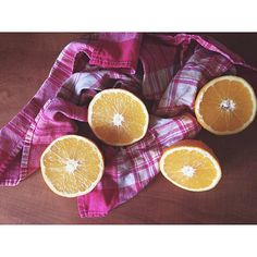 Love this season ❤️ #orange #oranges #fresh #raw #vegan #rawvegan #vegetarian #fruit #yumm #yummy #healthy #morning #eatclean #eathealthy #healthyliving #healthylifestyle #plantbased #lifestyle #Padgram