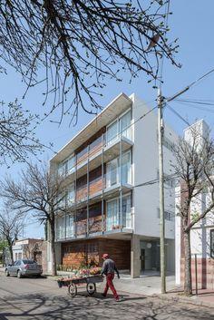 Edificio B928 / Claudio Walter Arquitectos Asociados
