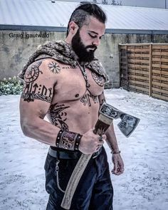 Norse Men If you obtain and also produce a fantastic Viking fancy dress, you may Viking Tattoo Sleeve, Viking Tattoo Symbol, Norse Tattoo, Sleeve Tattoos, Slavic Tattoo, Norse Mythology Tattoo, Schulterpanzer Tattoo, Body Art Tattoos, Tribal Tattoos