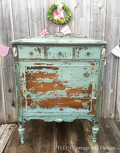 D.D.'s Cottage and Design: Chippy Goodness in a Dresser