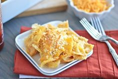 All of the traditional cheesy flavors of creamy mac & cheese baked with one spicy addition: Sriracha sauce! Baked Pasta Recipes, Baking Recipes, Macaroni Recipes, Creamy Mac And Cheese, Mac Cheese, Cheddar Cheese, Vegan Cheese, Homemade Egg Noodles, Homemade Pasta
