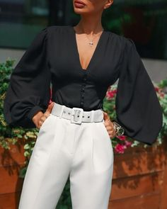 V Neck Lantern Sleeve Casual Blouses - Women Store Glamouröse Outfits, Classy Outfits, Stylish Outfits, Summer Outfits, Looks Chic, Mode Streetwear, Elegant Outfit, Elegant Girl, Elegant Chic