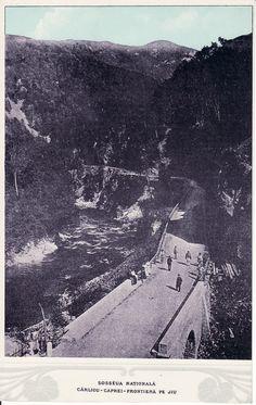 Pasul Surduc, astazi actualul Defileul Jiului DN66 a inceput sa fie construit in jurul anilor 1870 si dat in folosinta cativa ani mai tarziul dupa multe intreruperi a lucrarilor  pe 4 septembrie 1894.