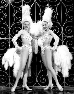 Twins Lido Paris 1958 Bluebell girls Kessler sisters (Alice & Ellen)