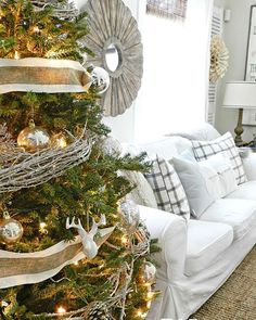 """Alittle throw back to last years """"woodland glam Christmas tree"""". Excited for this years tree!! #roomsforrentblog #christmas #tbt #tree #christmastree #holidays #decor"""