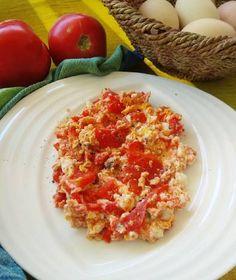 Στραπατσάδα του καλοκαιρινού Σαββάτου Eggs, Breakfast, Food, Morning Coffee, Egg, Meals, Yemek, Eten