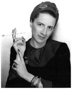 Diana Vreeland by GeorgeHoyningen-Huene.