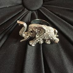 Elephant ring Sliver adjustable elephant ring. Worn once. Jewelry Rings