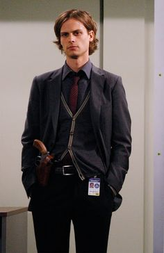 Matthew Gray Gubler: suave, sophistocated, and has a gun...