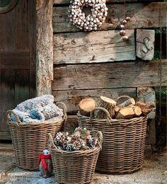 Campiña francesa: cómo combinar cestas de mimbre y cuadros