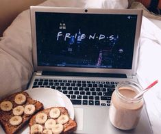 Lazy days On point! Lazy Sunday, Lazy Days, Sunday Morning, Feed Insta, Belle Photo, Good Vibes, Foodies, In This Moment, Aesthetics