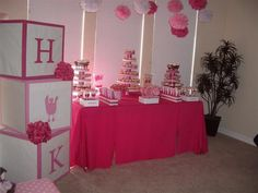 If I ever have a girl, I MUST have a totally pink baby shower! dawniegirl If I ever have a girl, I MUST have a totally pink baby shower! If I ever have a girl, I MUST have a totally pink baby shower! Cute Baby Shower Ideas, Baby Girl Shower Themes, Girl Themes, Baby Boy Shower, Baby Shower Gifts, Shower Favors, Shower Party, Baby Shower Parties, Baby Showers