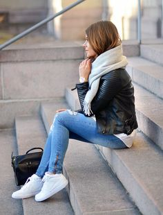 Ripped jeans & Leather Jacket