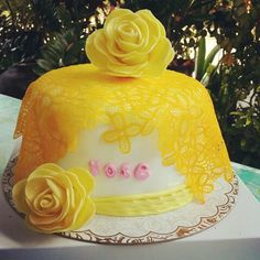 Yellow shabby chic lace cake...
