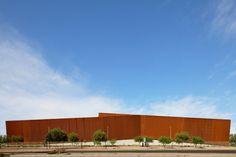 Ferretería O'Higgins office building by GH + A Architects