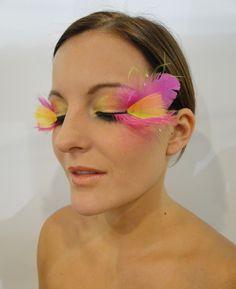 fantasy make-up / bird of paradise (mua: Karolien Olaerts) Fantasy Make Up, Paradise, Bird, How To Make, Fashion, Moda, Fashion Styles, Birds, Fashion Illustrations