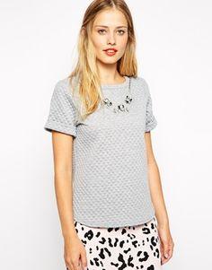 Bild 1 von Warehouse – Verziertes, gestepptes T-Shirt mit abnehmbarer Kette