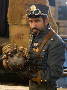 Now THAT'S a steampunker!