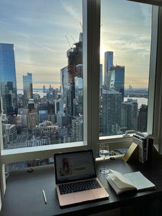 City View Apartment, Dream Apartment, New York Life, Nyc Life, Living In New York, City Living, City Aesthetic, Travel Aesthetic, City Vibe