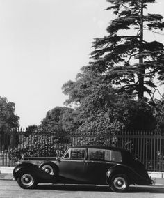 1951 Limousine by Hooper (chassis 4AF10, body 9663, design 8292) for H.R.H. Prince Henry, Duke of Gloucester