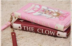 Inspired by the anime Cardcaptor Sakura, these leather purses come in 2 different colors and make a great gift for female fans of the series! Item Type: Wallet Interior: Interior Slot Pocket Closure T