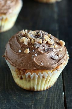 Salted Caramel Toffee Cupcakes