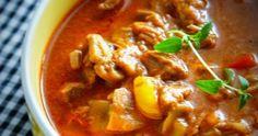 Dzisiaj zaczął u mnie padać śnieg , więc pojedziemy sobie do Rosji.  Przyrządzając jedną z flagowych potraw , przeniesiemy się tam ws... Thai Red Curry, Ethnic Recipes, Food, Essen, Meals, Yemek, Eten