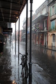 Rainy day in New Orleans Rainy Mood, Rainy Night, Rainy Days, Sound Of Rain, Singing In The Rain, Rain Photography, Street Photography, White Photography, Foto Gif