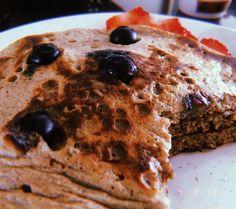 Frutos rojos 💃💃💃 Pancakes, Breakfast, Instagram, Healthy Recipes, Red, Morning Coffee, Crepes, Pancake, Morning Breakfast