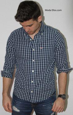 La camisa Hollister Laguna Hills es de algodón suave y tiene un estampado  de cuadros preppy con un cuello abotonado. Con un lavado Hollister Vintage. 03f3f3a0a87