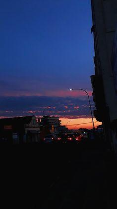 Mood Wallpaper, Sunset Wallpaper, Scenery Wallpaper, Tumblr Wallpaper, Wallpaper Backgrounds, Night Aesthetic, City Aesthetic, Pretty Sky, Beautiful Sunset