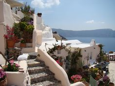 Aris Caves Santorini stay in this luxurious cave hotel on the beautiful island of