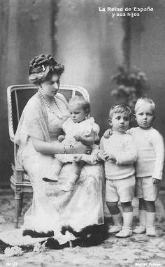 Ena with her children