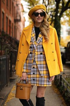 Blair Eadie wearing a plaid suit from Veronica Beard // Click through for more fall style and holiday outfits on Atlantic-Pacific Boho Outfits, Hipster Outfits, Preppy Outfits, Preppy Style, 90s Style, Preppy Boys, Blazer Outfits, Skirt Outfits, Classy Outfits