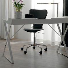 Qwerty stůl do pracovny