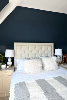DIY How to Create a Diamond Tufted Upholstered Headboard - From Evija with Love. Full tutorial and easy step by step guide, using Laura Ashley fabricand how to make upgolstered buttons