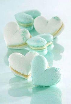 Macarons em forma de coração.