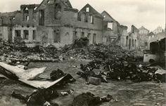 Zdjęcia Białegostoku, zrobione w czerwcu 1941 roku. chwilę po tym, jak wykonano wyrok na Żydach w Wielkiej Synagodze