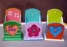 Detalles en Madera | Un blog de mis manualidades, pinturas y más ... Tole Painting, Painting On Wood, Wooden Crafts, Wooden Toys, Decoupage Vintage, Diy Box, Vintage Wood, Line Drawing, Diy Gifts