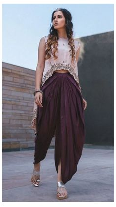 Indian Fashion Dresses, Indian Gowns Dresses, Dress Indian Style, Indian Designer Outfits, Indian Fashion Modern, Indian Outfits Modern, Pakistani Fashion Party Wear, Pakistani Dresses, Lehenga Designs