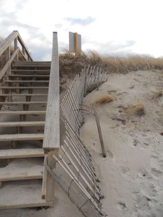 I can feel the sand between my toes~and the excitement for the view at the top of the stairs.